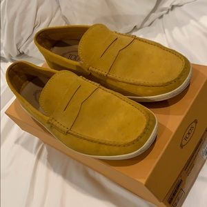Men's Tods Mustard Yellow Loafers/Moccasins - US11